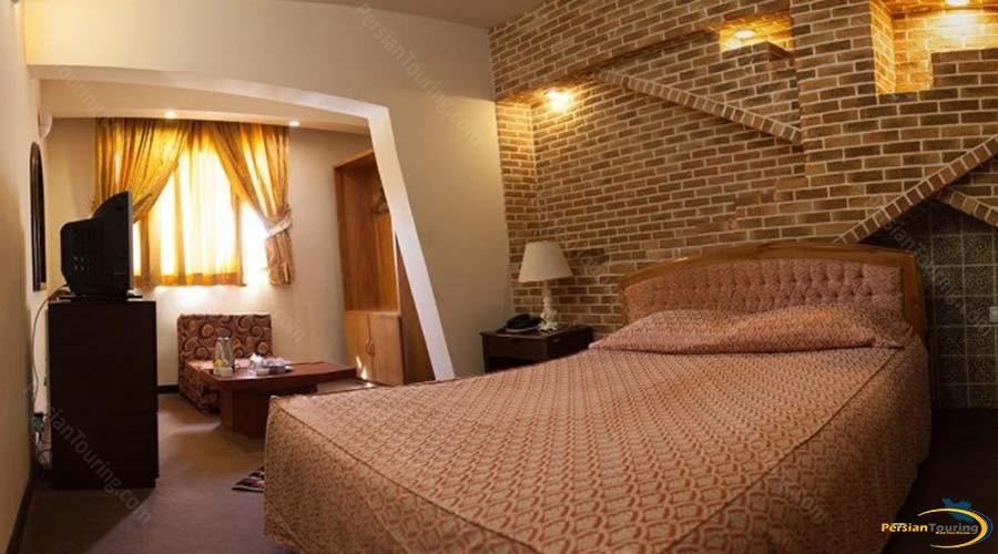 jaamejam-hotel-shiraz-double-suite-2
