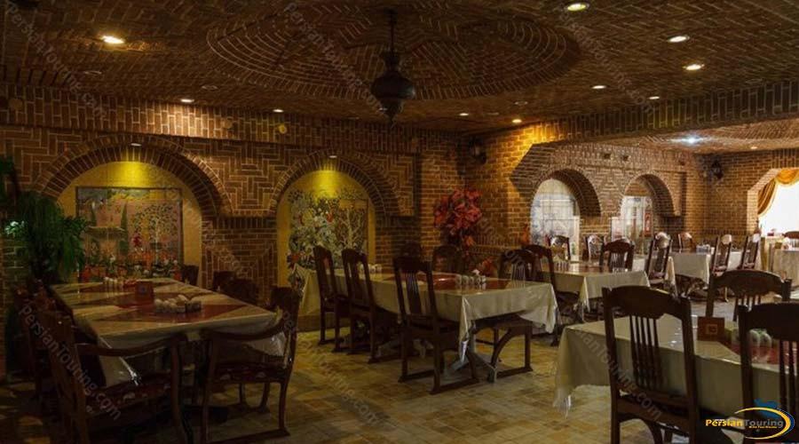 jaamejam-hotel-shiraz-restaurant-3