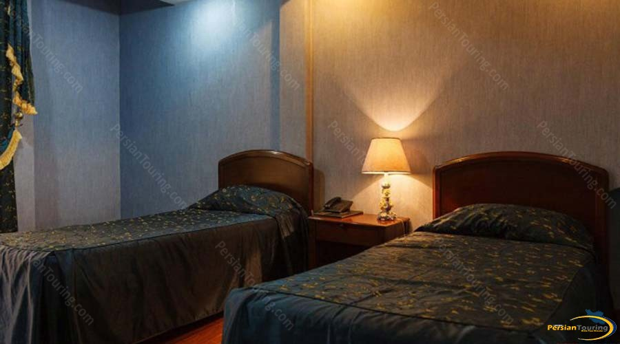 jaamejam-hotel-shiraz-three-bedroom-apartment-1