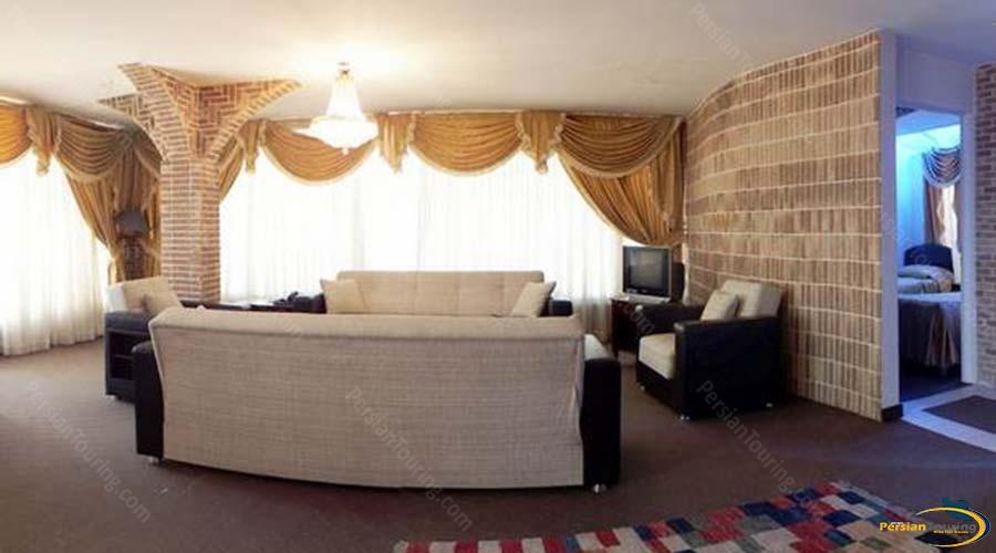 jaamejam-hotel-shiraz-three-bedroom-apartment-2