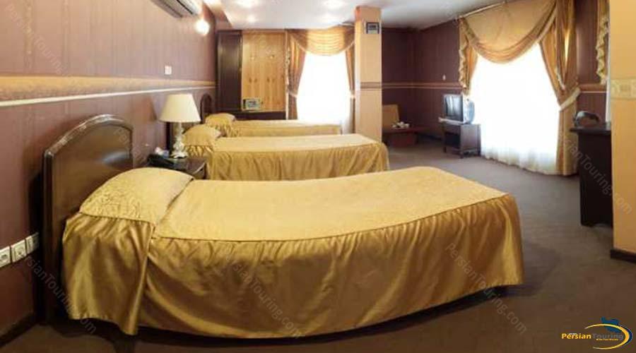 jaamejam-hotel-shiraz-triple-suite-2