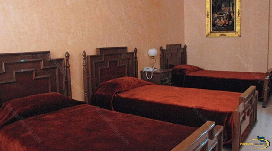khatam-hotel-yazd-triple-room-1