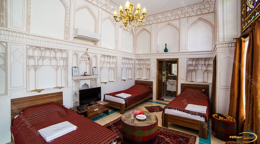 kianpour's-historical-residence-isfahan-triple-room1