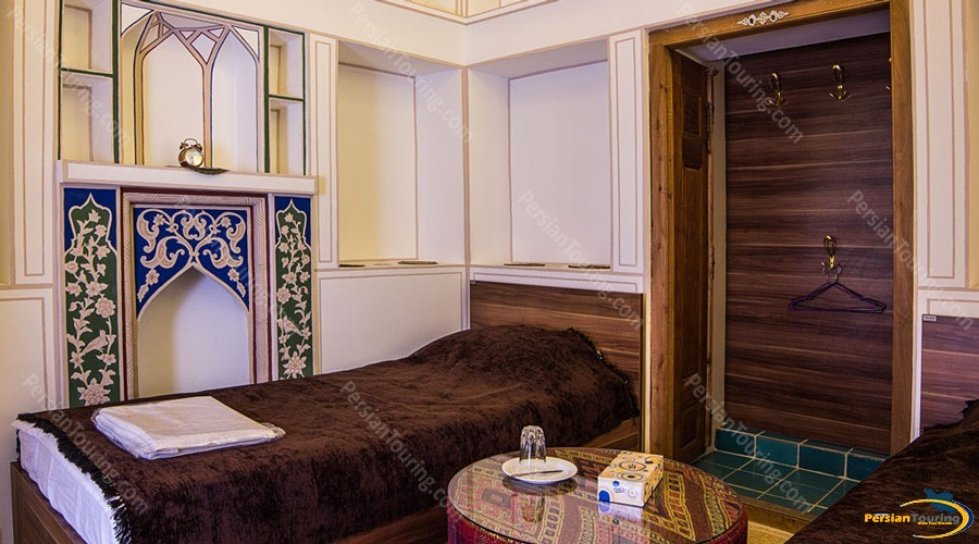 kianpour's-historical-residence-isfahan-twin room
