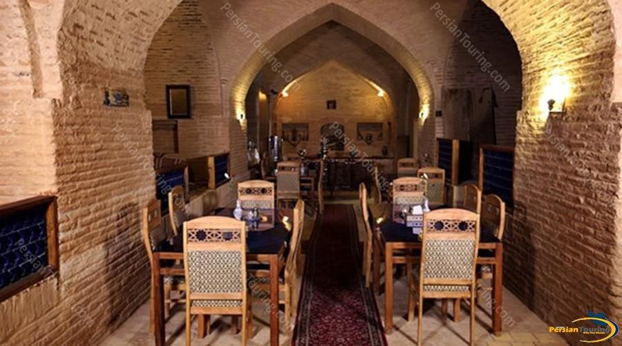 kuhpa-caravanserai-isfahan-traditional-restuarant-1