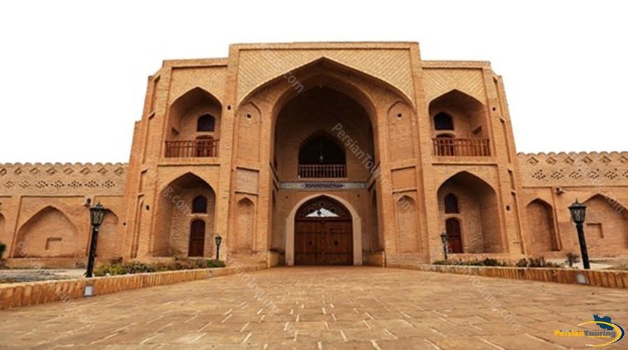 kuhpa-caravanserai-isfahan-view-2