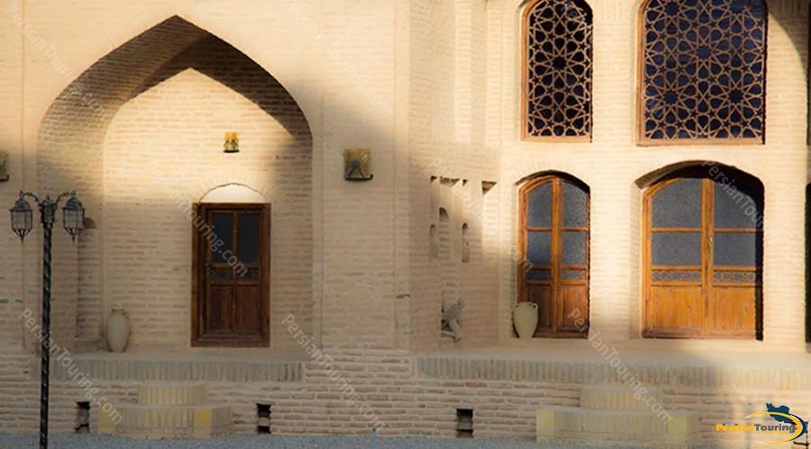 kuhpa-caravanserai-isfahan-view-5