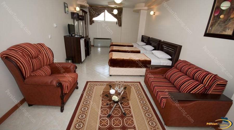 mahan-hotel-isfahan-triple-room