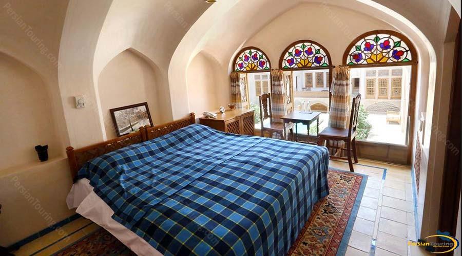 mahinestan-raheb-hotel-kashan-double-room-1