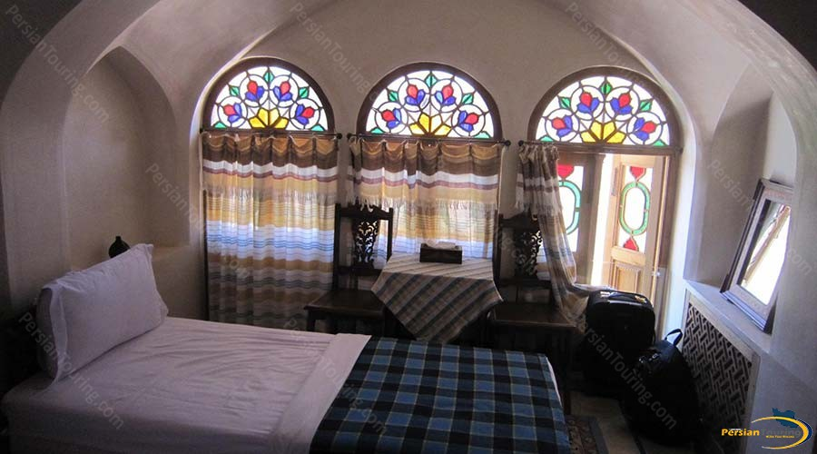 mahinestan-raheb-hotel-kashan-single-room-2