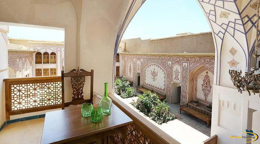 mahinestan-raheb-hotel-kashan-the terrace-1