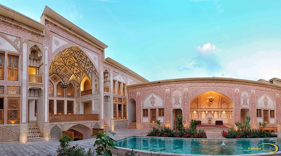mahinestan-raheb-hotel-kashan-view-3