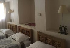 manouchehri-traditional-hotel-kashan-triple-room-1