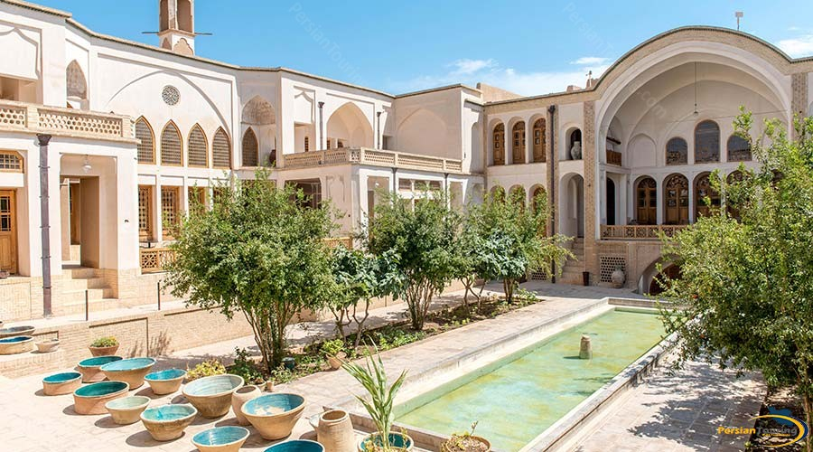 manouchehri-traditional-hotel-kashan-view-2