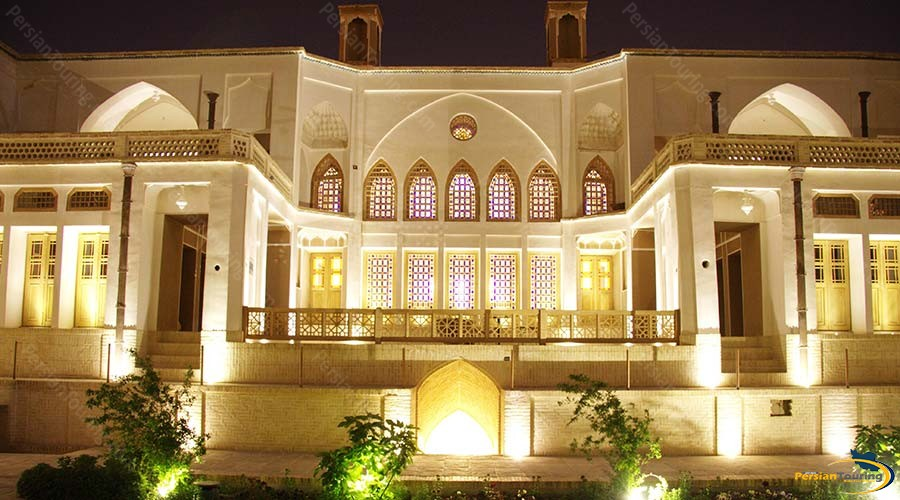 manouchehri-traditional-hotel-kashan-view-3