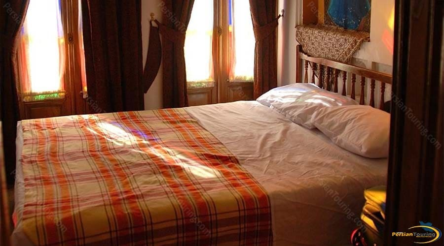 mehr-traditional-hotel-yazd-double-room-1