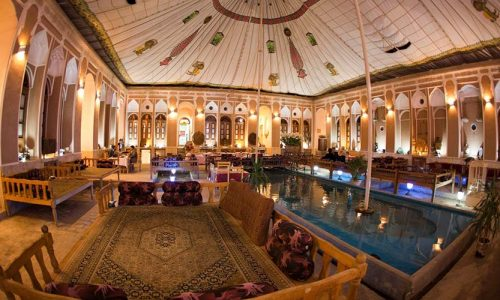 mehr-traditional-hotel-yazd-yard-2