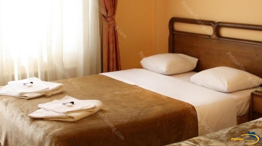 melal-hotel-isfahan–room