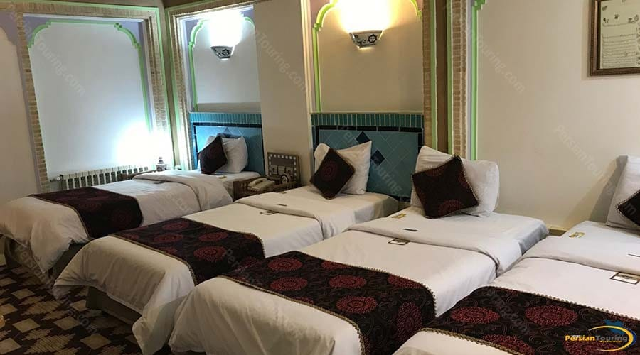 moshir-al-mamalek-garden-hotel-yazd-quadruple-room-2