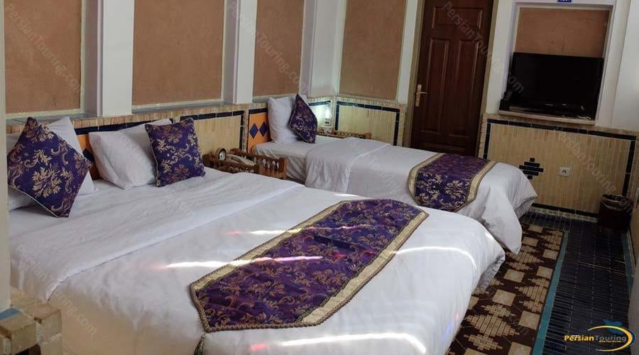 moshir-al-mamalek-garden-hotel-yazd-triple-room-1
