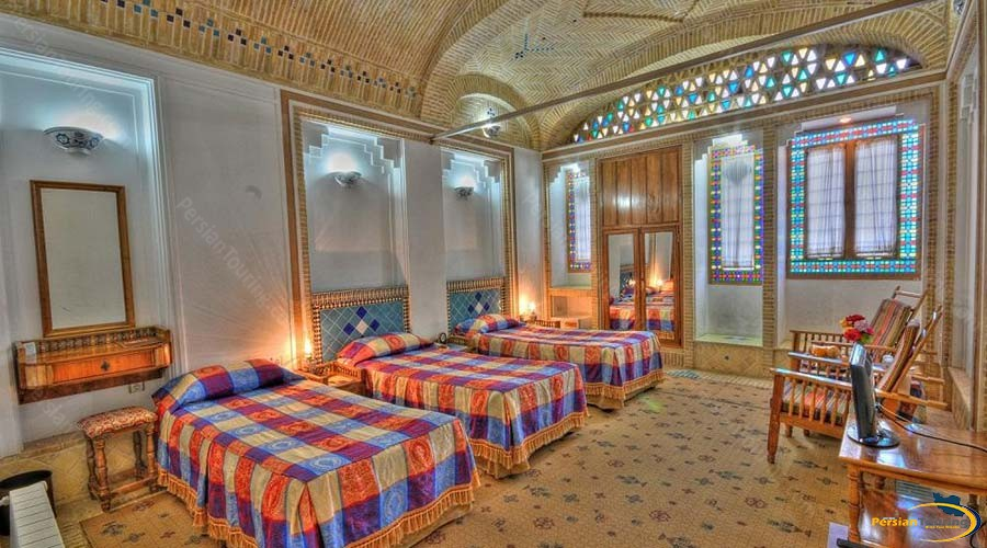 moshir-al-mamalek-garden-hotel-yazd-triple-room-2