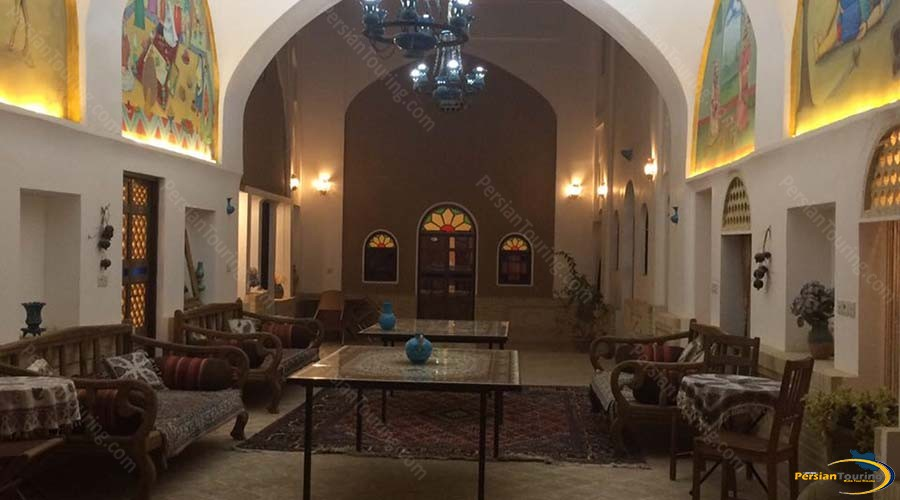 negin-traditional-hotel-kashan-labby-1
