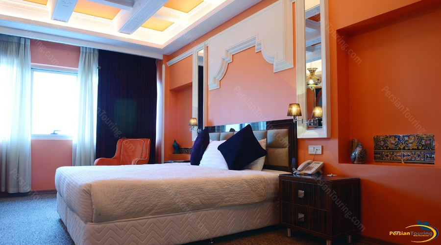 niloo-hotel-tehran-guest-room-1
