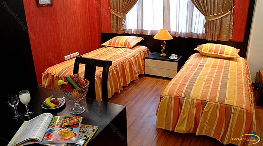 pariz-hotel-tehran-Suite-type-c-1