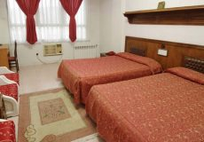 park-hotel-shiraz-quadruple-room-3