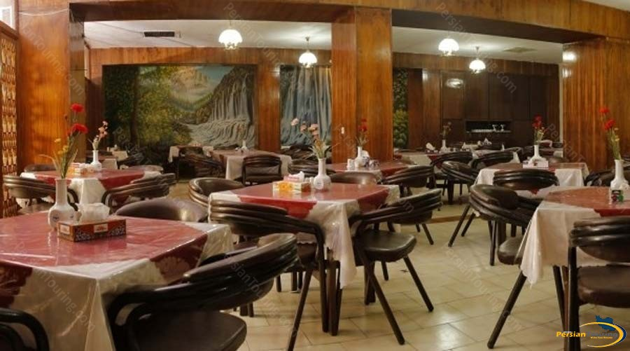 park-hotel-shiraz-restaurant-1