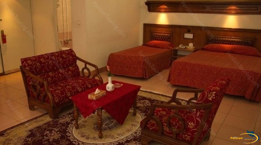 park-hotel-shiraz-triple-room-1