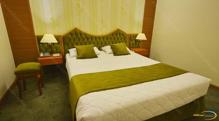 park-saadi-hotel-shiraz-double-room-1