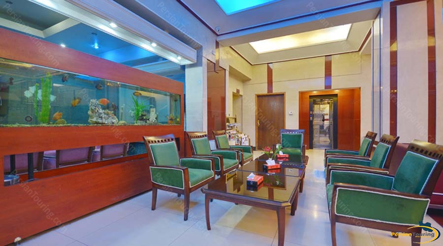 park-saadi-hotel-shiraz-labby-1