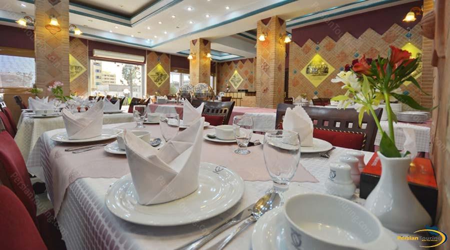 park-saadi-hotel-shiraz-restaurant-3