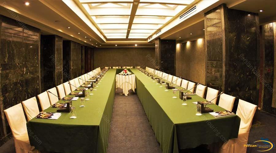 pars-hotel-shiraz-conferance-hall-2