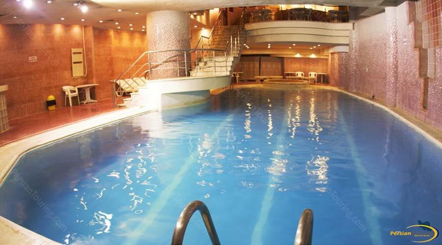 pars-hotel-shiraz-pool-1