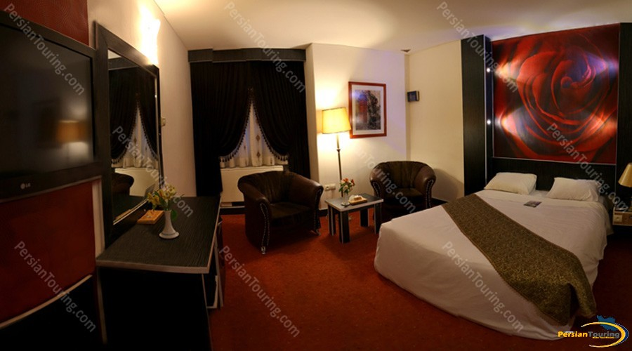 parsian-ali-qapu-hotel-isfahan-double-room-4