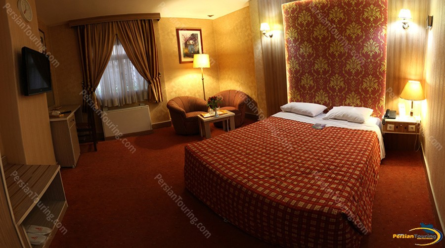 parsian-ali-qapu-hotel-isfahan-double-room-6