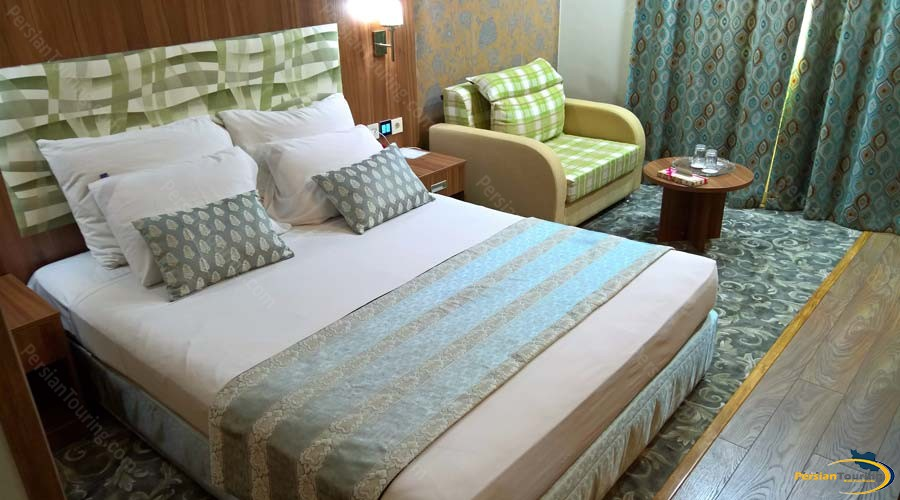 parsian-hotel-shiraz-double-room-4