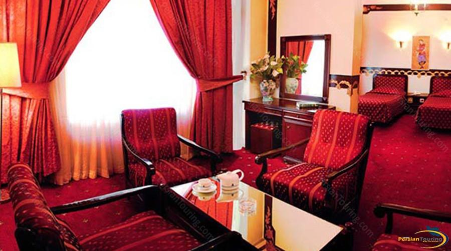 parsian-kowsar-hotel-tehran-suite-1