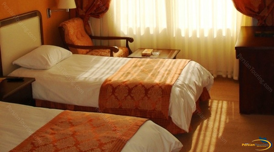 parsian-kowsar-hotel-tehran-twin-room-1