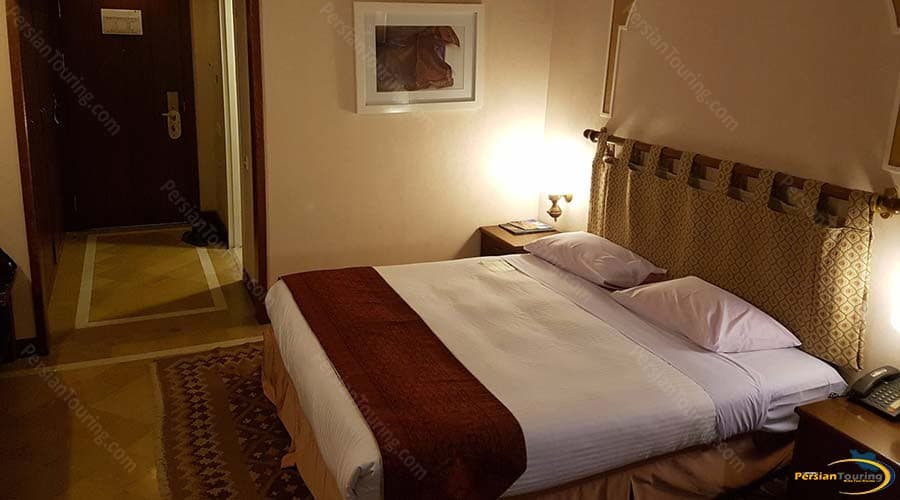 parsian-safaiyeh-hotel-yazd-double-room-5