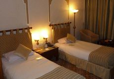 parsian-safaiyeh-hotel-yazd-twin-room-3