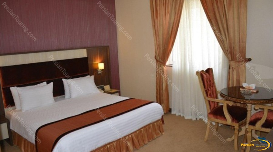 parsian-suite-hotel-isfahan-double-room