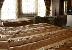 parsian-suite-hotel-isfahan-triple-room-4