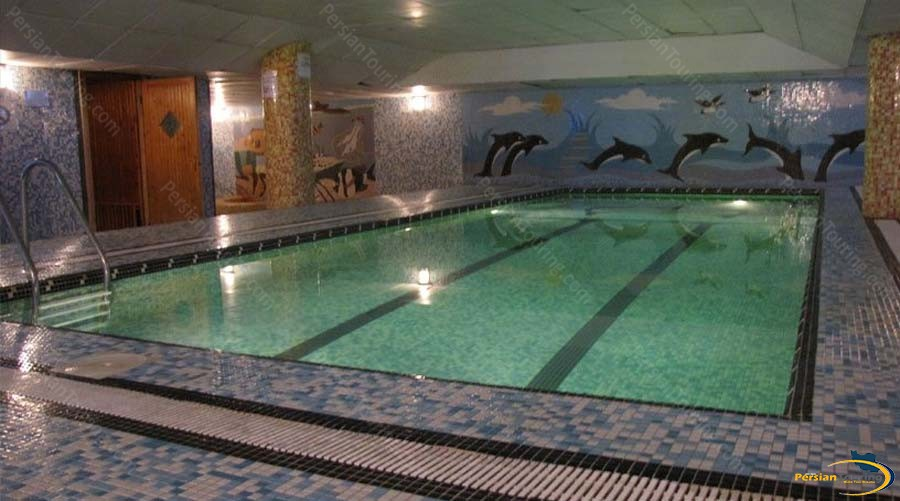 persepolis-hotel-shiraz-pool-1