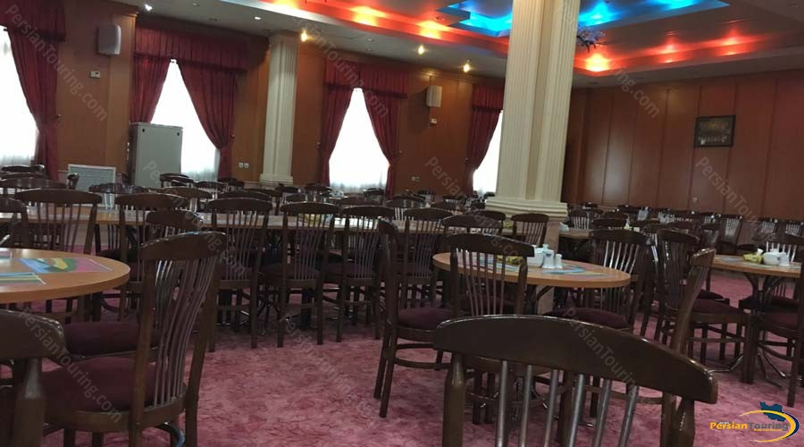 persepolis-hotel-shiraz-restaurant-2