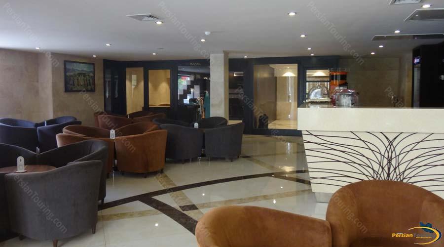 royal-hotel-shiraz-cafe 1