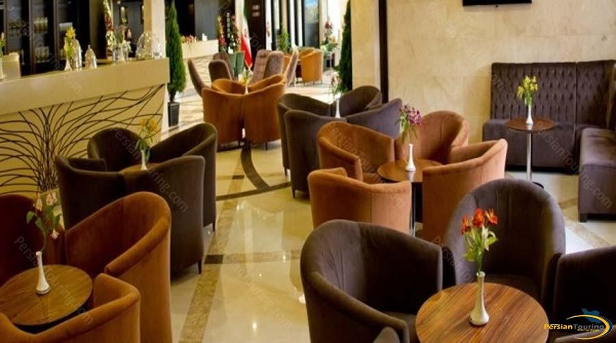 royal-hotel-shiraz-labby-1
