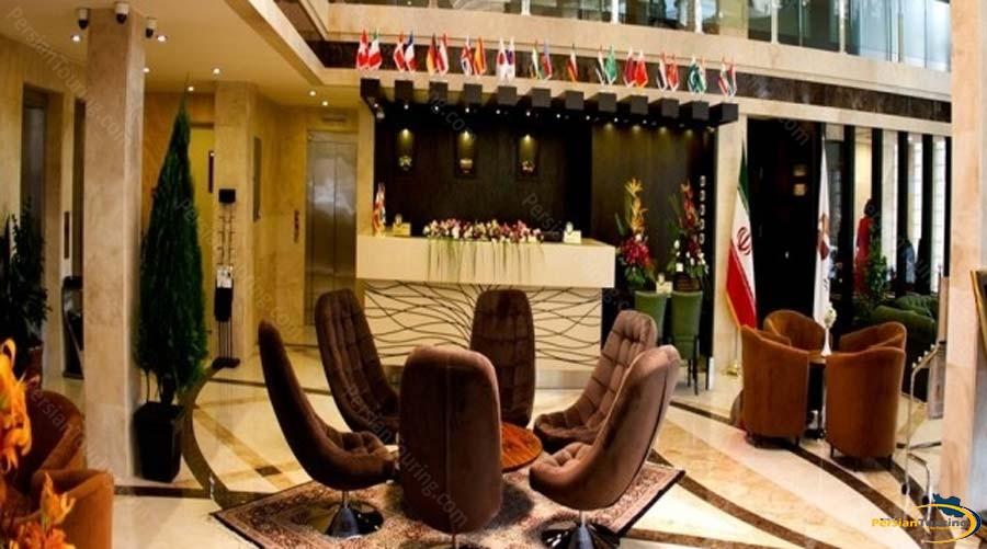 royal-hotel-shiraz-recepsion-1